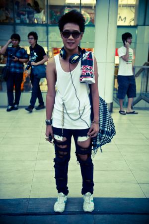 Siam Streets 1 - street fashion photography in Bangkok, Thailand